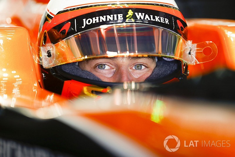 """Räikkönen beesik Vandoorne elé, és """"tönkreteszi"""" a versenyét"""