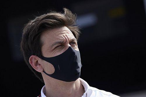 Wolff: A Red Bull motorprogramja jól jöhet a Mercedesnek
