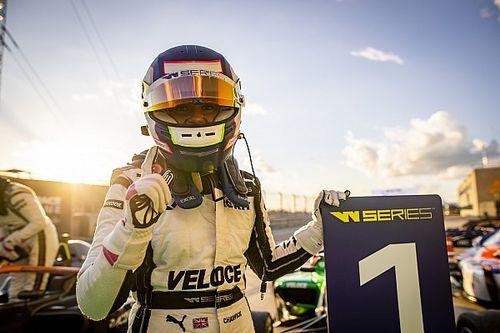 Победа в финале сезона W Series принесла Чедвик второй титул