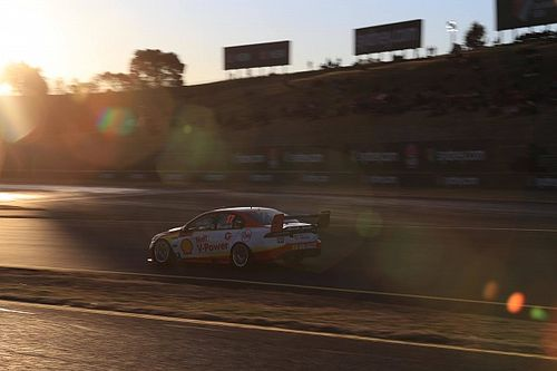 Sydney Supercars: McLaughlin takes historic night race pole