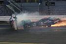 ARCA Что бывает, когда очень спешишь на финиш: видео двух завалов в Дайтоне