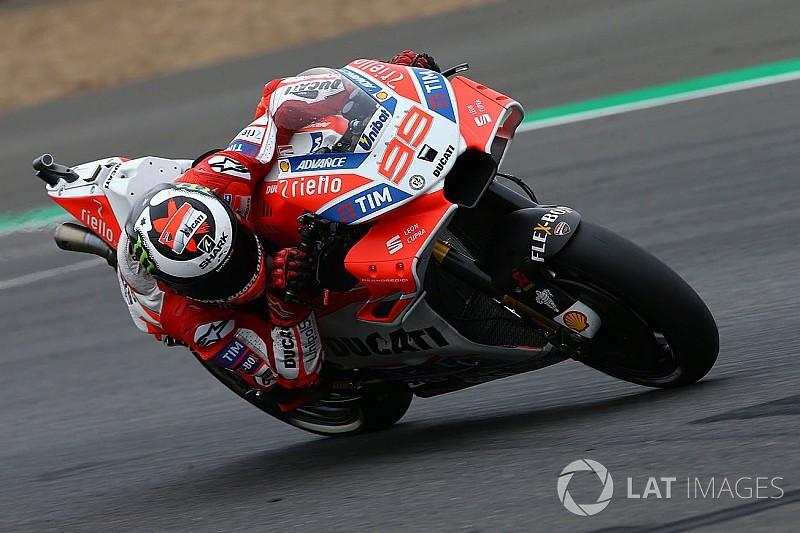 Лоренсо: Ми досі далеко від усунення недоліків Ducati