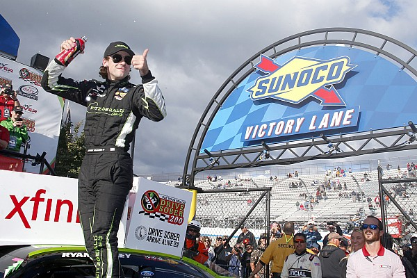 NASCAR XFINITY Blaney domina e vence fácil em Dover