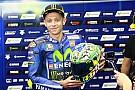 Bel gesto di Rossi: regala il casco del Mugello alla famiglia di Hayden