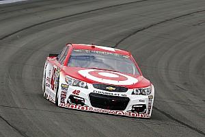 NASCAR Cup Qualifiche La pioggia di Martinsville regala la pole a Kyle Larson