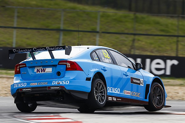 Hungary WTCC: Bjork beats Tarquini in final practice