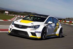 TCR Deutschland Feature Selbstversuch: Wie fährt sich der neue Opel Astra TCR?