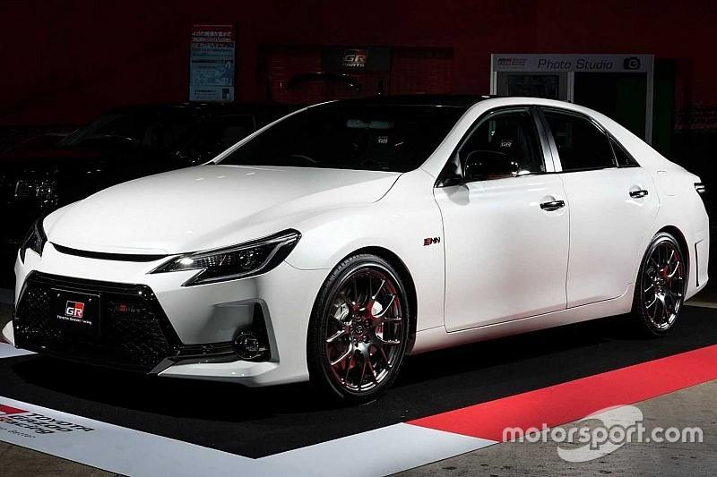 Toyota представила Mark X з атмосферником V6 та ручною коробкою