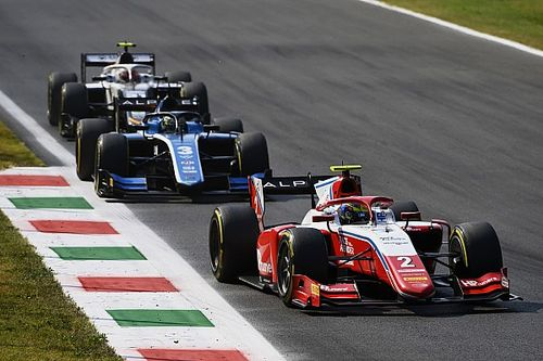 F2 Monza: Piastri beats title rival Zhou to feature race win