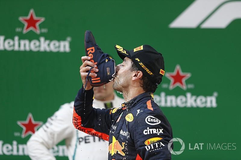 Fórmula 1 registra 'shoey' de Ricciardo como marca comercial