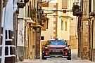 WRC Meeke brilla en el asfalto; Sordo abandona