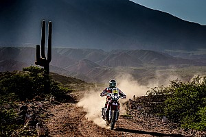 Dakar Stage report Dakar 2017, Stage 4: Barreda keeps lead, Price crashes out