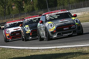 Turismo Gara Mini Challenge: Iaquinta e Alcidi svettano nelle gare di Magione
