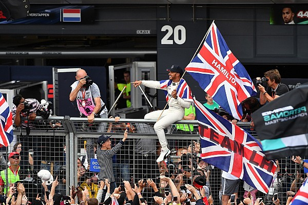 "【F1】マーク・サットン、イギリスGPの""1枚""「観衆に囲まれる王者」"