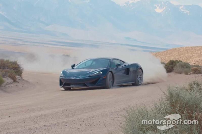 Un McLaren 570GT derrapando... por caminos de tierra
