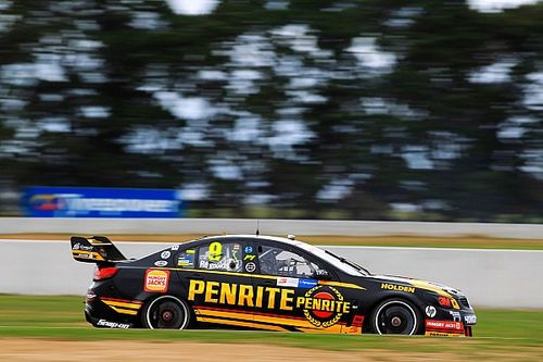 Erebus fits 'e-cell' to Reynolds Commodore