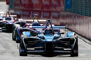 Formula E Breaking news Buemi: Renault hampered by handling issue
