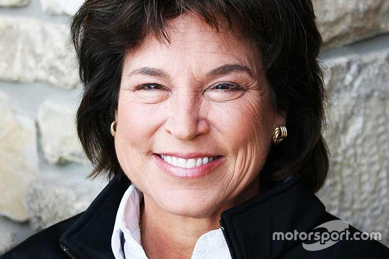 Noble resigns from SCCA