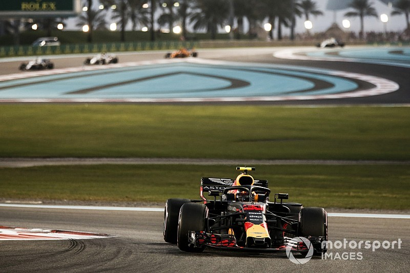 Verstappen blinded by oil from Gasly's Honda engine