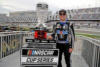 Kevin Harvick tops Kyle Busch for Bristol Night Race win