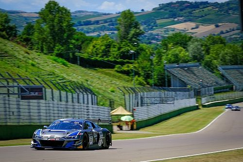 GT World Challenge Europe: pole per l'Audi dell'Attempto a Imola