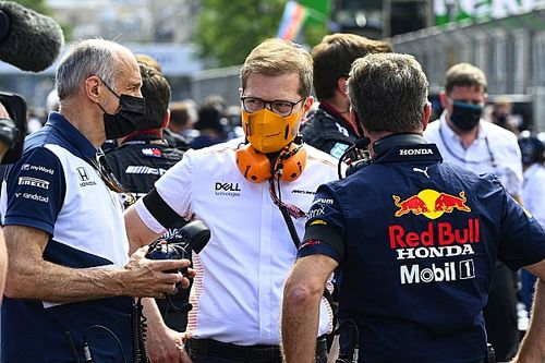 """McLaren: Lack of transparency over tyre failures """"disappointing"""""""