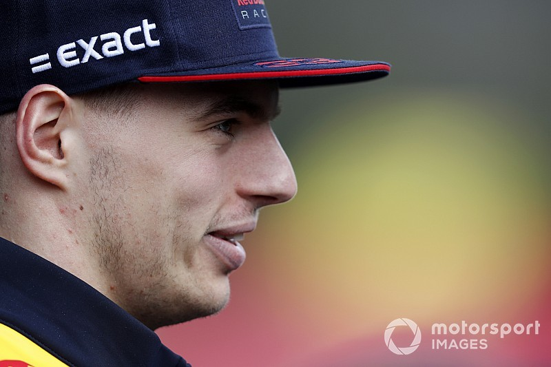 """Verstappen ziet concurrentie naderen: """"Teams achter ons zijn dichterbij gekomen"""""""
