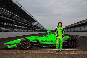 IndyCar Ultime notizie Ecco la livrea della vettura di Danica Patrick per la Indy 500