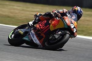 Moto2 Prove libere Barcellona, Libere 1: Oliveira in vetta con la KTM, Morbidelli terzo
