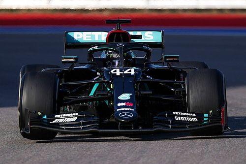 Változás: Hamilton mégsem kap két büntetőpontot, a Mercedes viszont fizethet