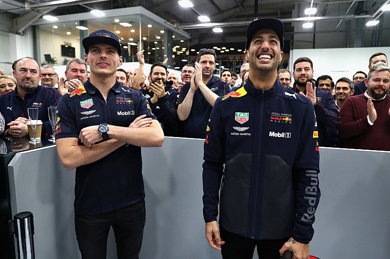 Ricciardo says goodbye with farewell Red Bull visit