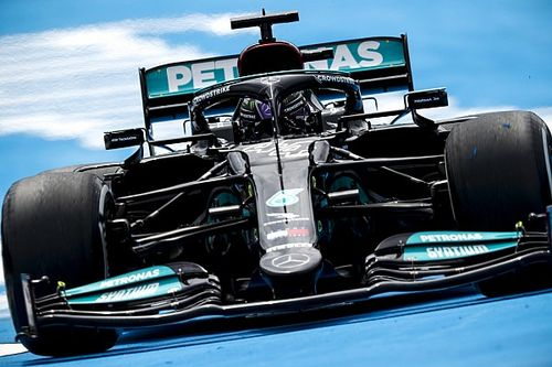 Mercedes explains why it won't ditch 'barn door' F1 rear wing