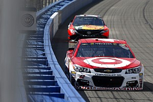 Kyle Larson takes the victory in wild Auto Club 400