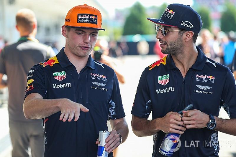 Verstappen, Ricciardo'nun Red Bull'da kalmasını umuyor