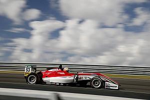 Евро Ф3 Отчет о гонке Илотт выиграл вторую гонку Евро Ф3 в Зандфорте