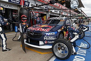 Triple Eight to conduct internal and external pitstop review