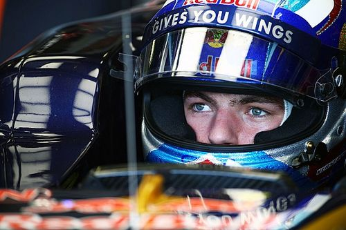 F1 drivers prohibited from throwing visor tear-off strips on track