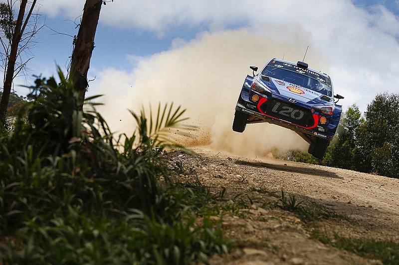 Avustralya WRC: Mikkelsen, Meeke ile aradaki farkı açtı