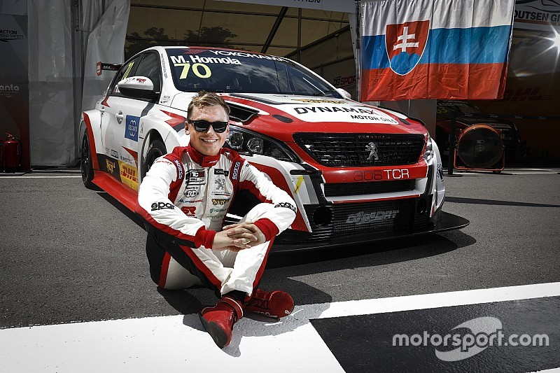 Portugal WTCR: Homola beats Muller for first win