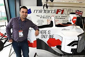 Stop/Go Livefeed Baumgartner már ott van a kétüléses F1-es autóval Melbourne-ben