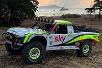 Button zit 17 uur vast in woestijn na debuut in Baja 1000