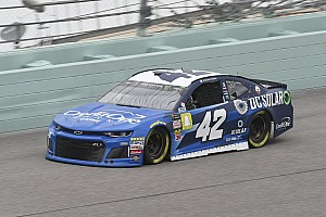 Kyle Larson beats Harvick for Stage 2 win at Homestead