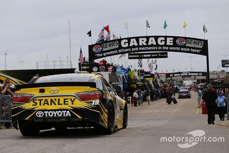 Rain delays start of Saturday night's NASCAR Sprint Cup race