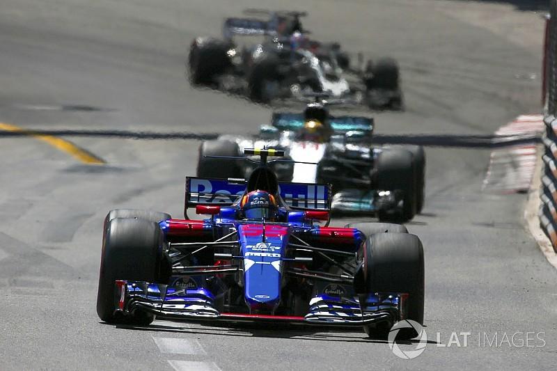 """ساينز: الفورمولا واحد تحتاج لمنافسة """"نصف الفرق"""" على منصّة التتويج"""
