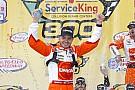 NASCAR XFINITY Larson derrota a Logano en Fontana con emocionante final