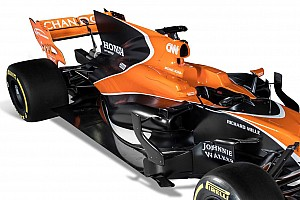 formule 1 pr sentation de la mclaren mcl32 actualit s. Black Bedroom Furniture Sets. Home Design Ideas