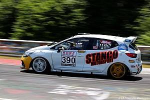 VLN Résumé de course VLN 4 : Une victoire classe seulement pour les rapide Suisses