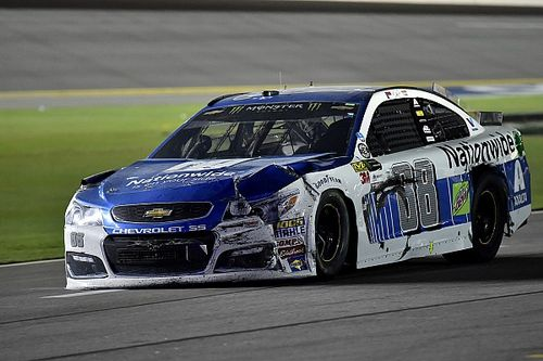 Dale Jr. overcomes early adversity only to find more trouble at Daytona