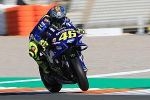 """Rossi: """"Con el nuevo motor, seguimos sufriendo con neumático usado"""""""