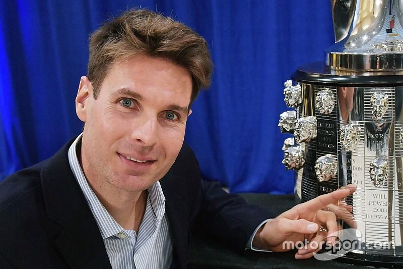 Indy 500 winner Power unveils image on Borg-Warner Trophy